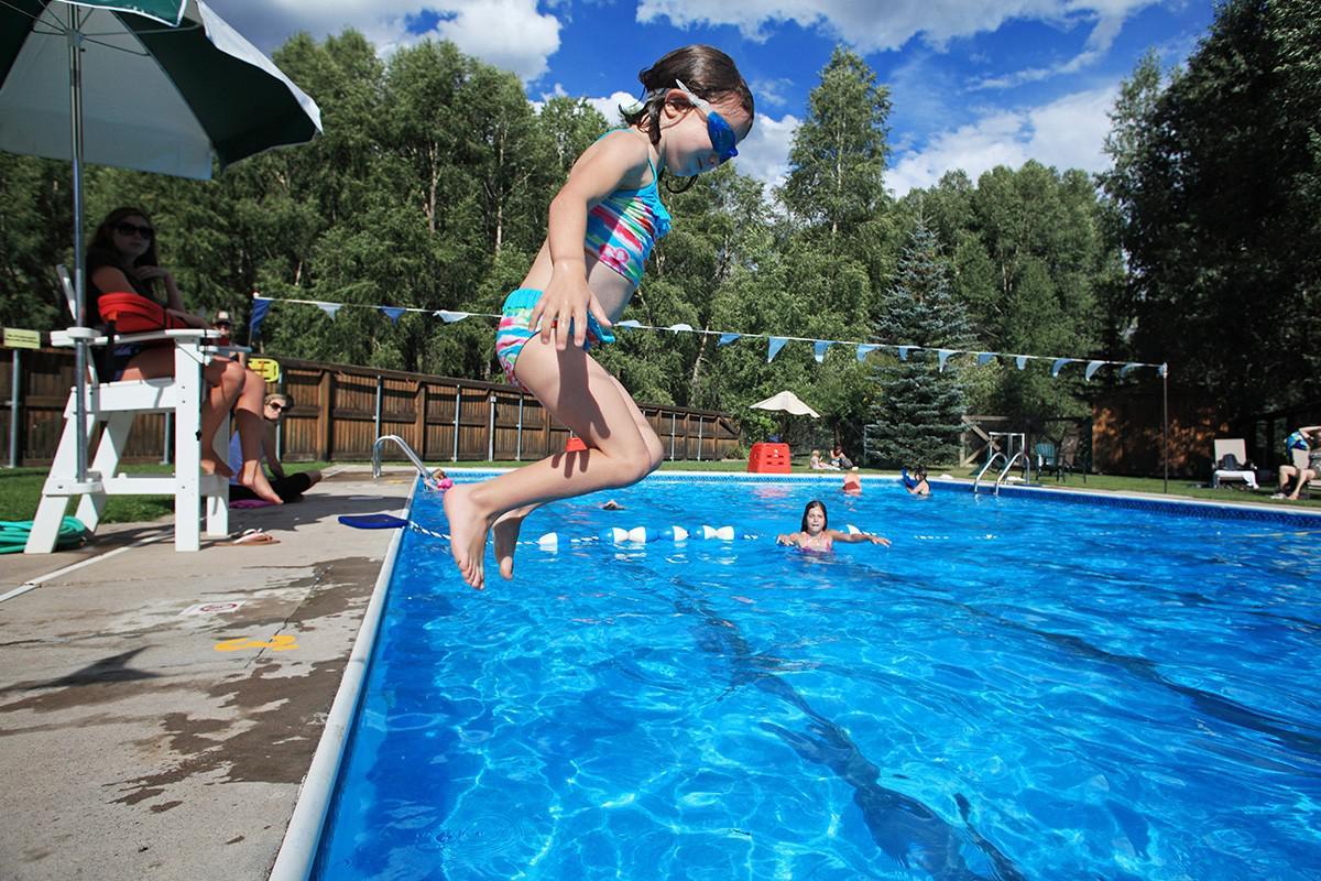 Swimming pools facilities visit telluride - Swimming pool girl christmas vacation ...